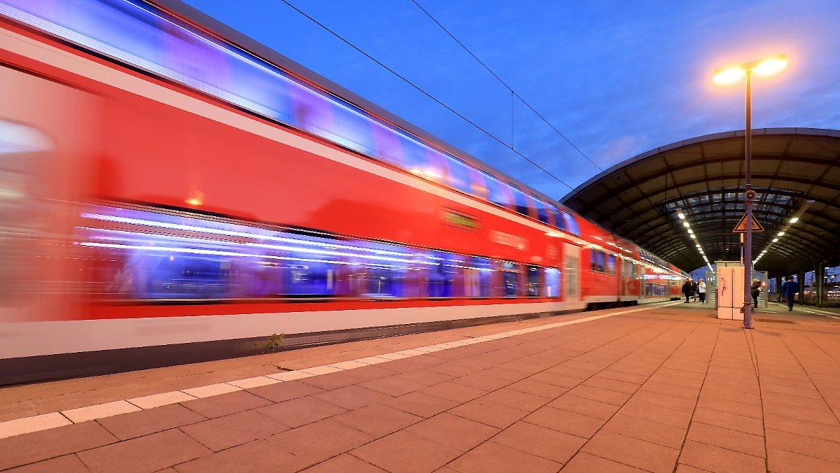 + Deutsche Bahn schafft 'Schönes-Wochenende-Ticket' ab https://t.co/WPuUBAOEPB
