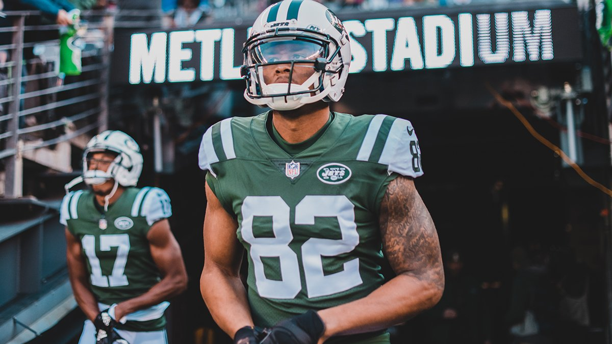 We've signed T Eric Smith off NE's practice squad and placed WR Rishard Matthews on IR.  📰 https://t.co/PdUoBCv6sA