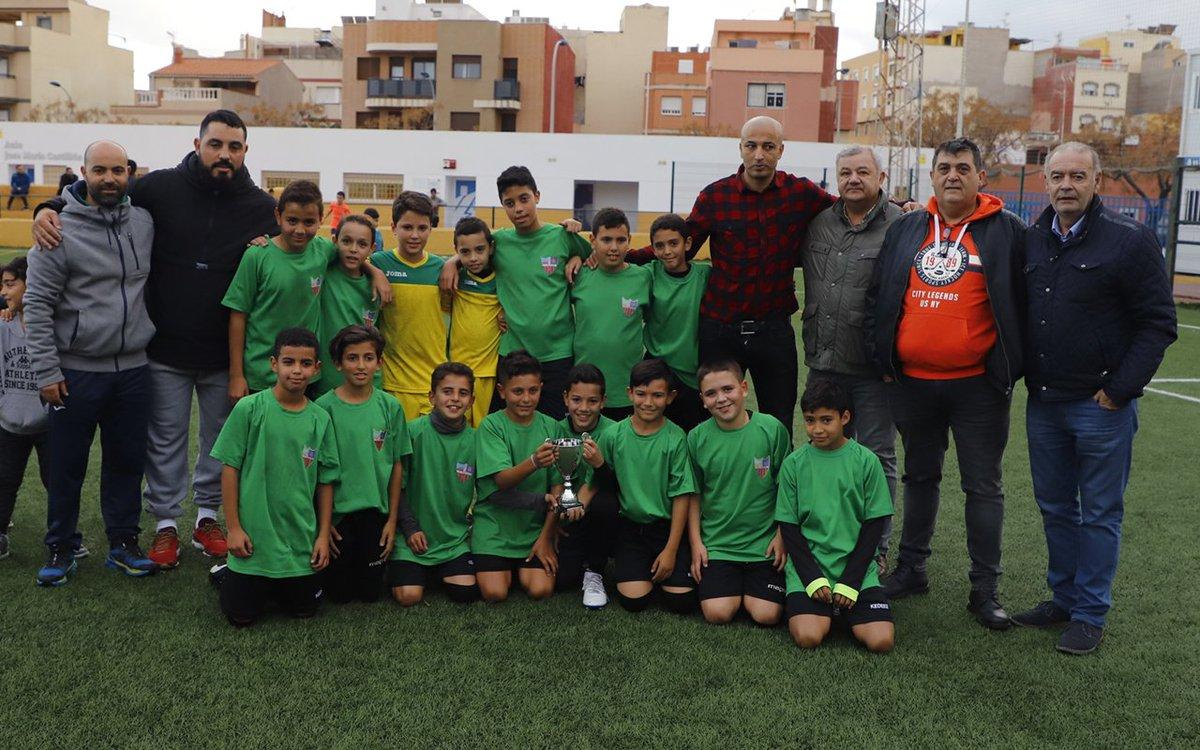 Triunfo del CF Rusadir ante la UD Melilla en una apasionante final de Copa Federación de 1ª División Alevín rfmf.es/pagina/index1.…