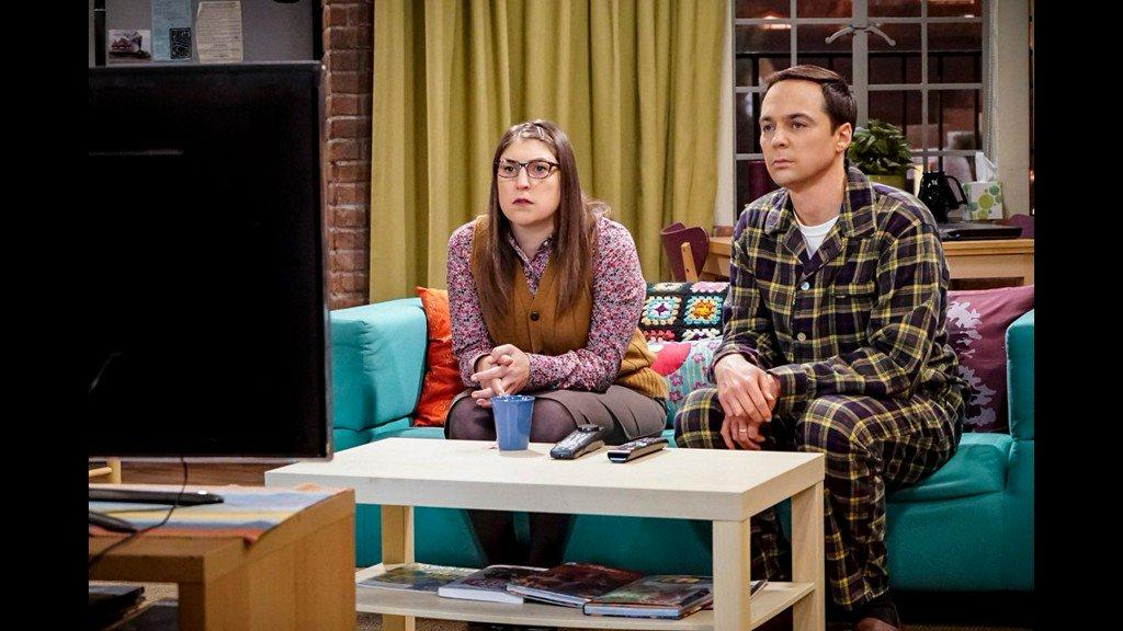 'Big Bang Theory' star Mayim Bialik talks tough breakup, being single around the holidays https://t.co/7tKoAkBRGn