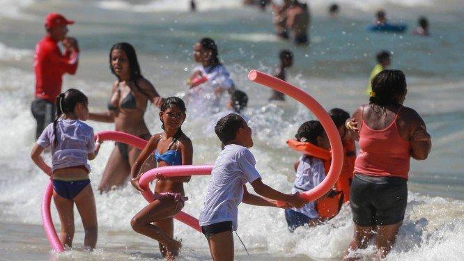 Rio tem a tarde mais quente do ano, com sensação térmica de 50°C em Santa Cruz https://t.co/ceC9Tb3knt