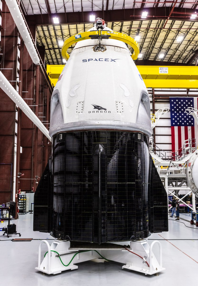 @SpaceX &#39;s Crew Dragon spacecraft and Falcon 9 rocket are positioned at the company&#39;s hangar at Launch Complex 39A at @NASAKennedy in Florida, ahead of the Demo-1 flight test targeted for January 17, 2019.  https:// blogs.nasa.gov/commercialcrew /2018/12/18/spacex-demo-1-spacecraft-and-rocket-at-launch-pad/ &nbsp; … <br>http://pic.twitter.com/9khofsncCw