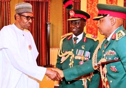 The General Shaking hands with @MBuhari is Umar M T who killed 60+in Abuja told Deji Adeyanju that Shiites are not Muslims.Can you imergine this in a Secular state?This shows they are doing Jihad on Shiites.What will happen to us we th christians? @OfficialPDPNig @NewYorkTimesGHS<br>http://pic.twitter.com/FTpGvqpUnd