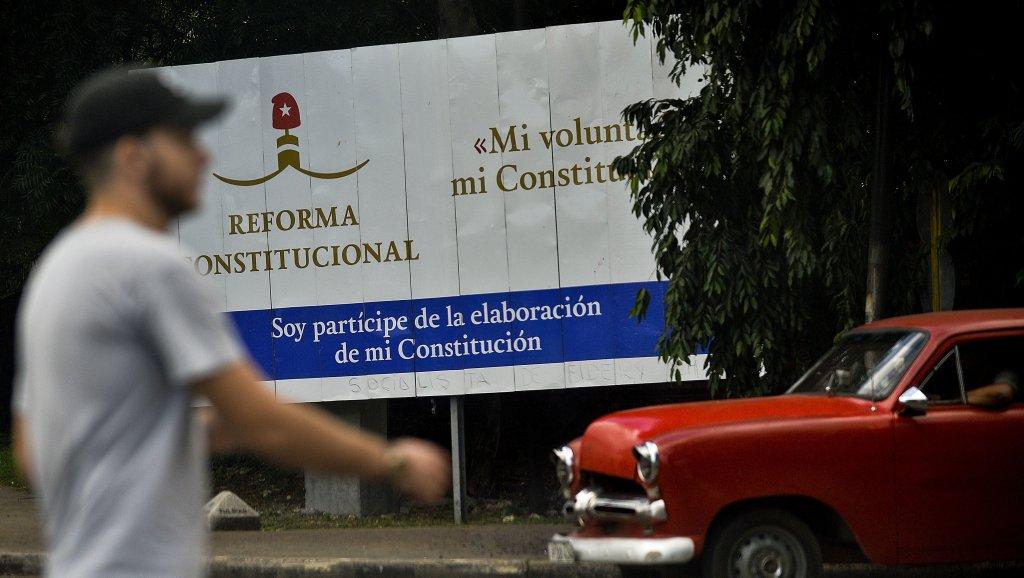 Cuba : le mariage homosexuel ne figurera pas dans la nouvelle Constitution https://t.co/jfykwWh1Jw