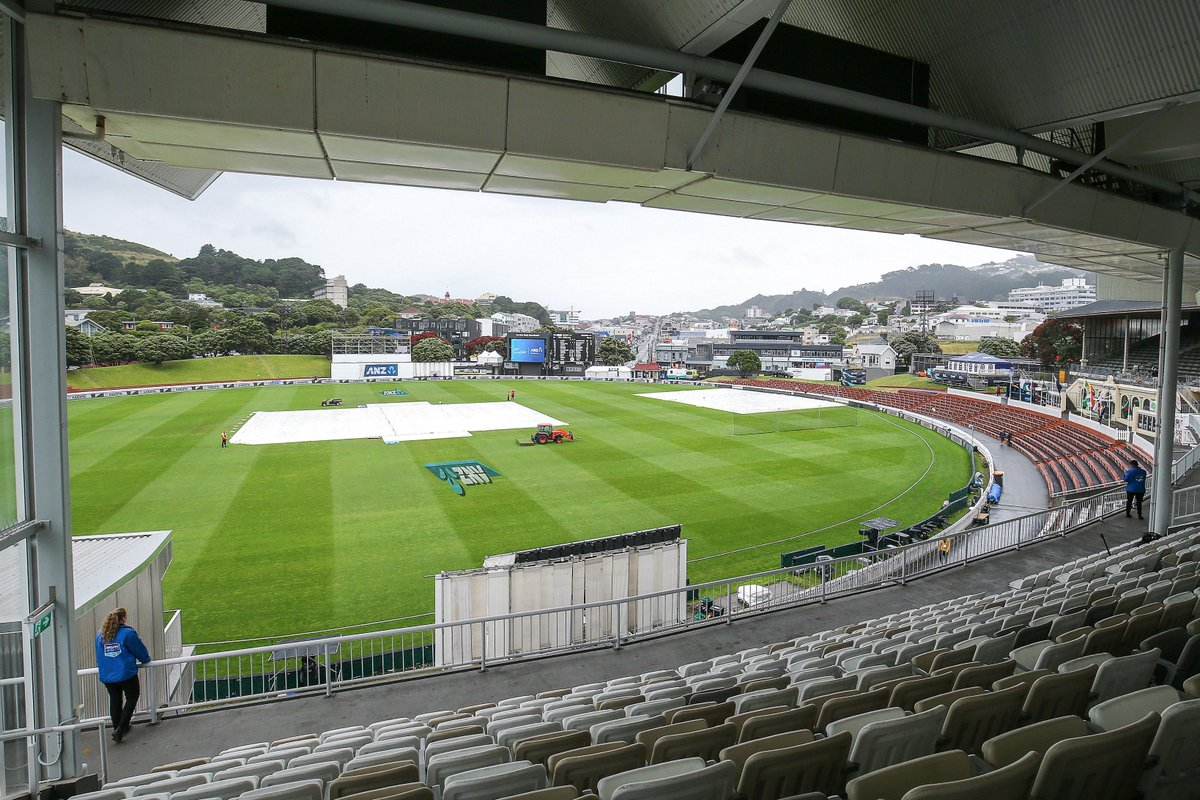 Rain has the final say on Day 5 as the first Test at Basin Reserve ends in a DRAW  Latham - 264*  |  Mathews - 83 &amp; 120*  | Mendis - 141*  |  Southee - 6/68 &amp; 2/52  #NZvSL   https://www. cricbuzz.com/live-cricket-s cores/20777/nz-vs-sl-1st-test-sri-lanka-tour-of-new-zealand-2018-19 &nbsp; … <br>http://pic.twitter.com/jYUvopHYle