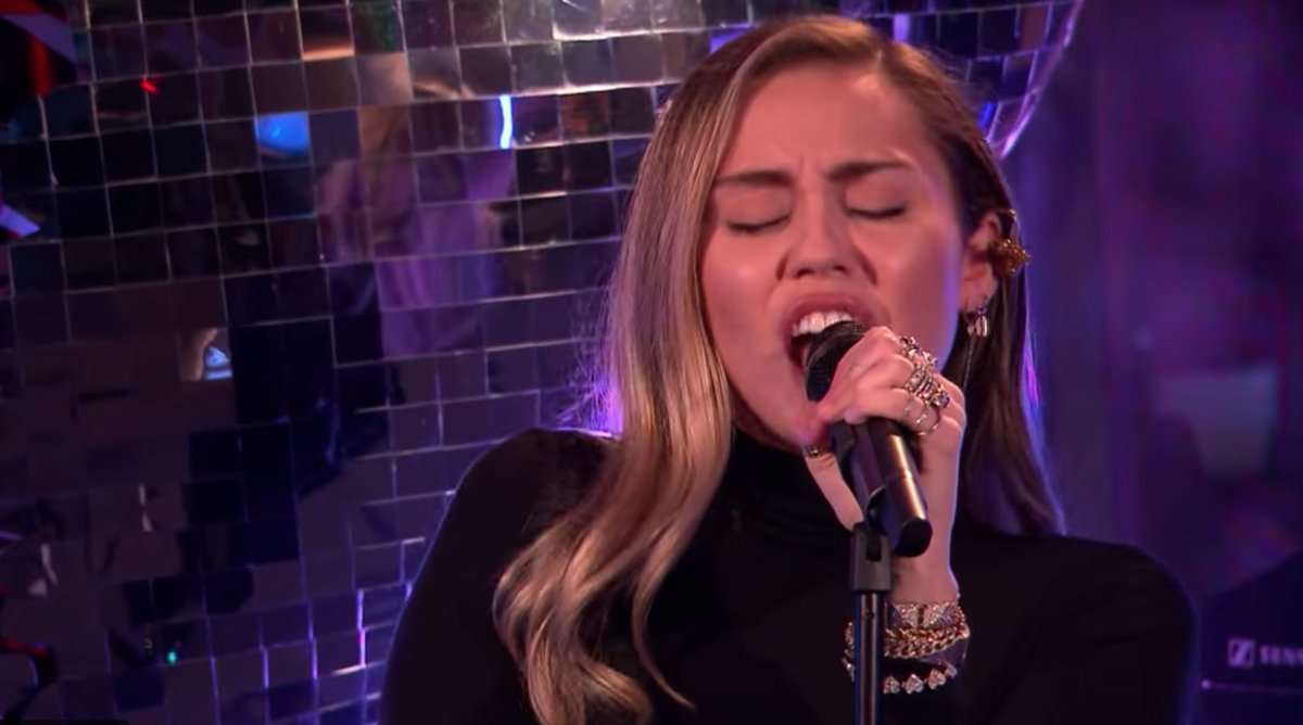 Watch Miley Cyrus cover Ariana Grande's 'No Tears Left to Cry' https://t.co/PsaiubvoZ0