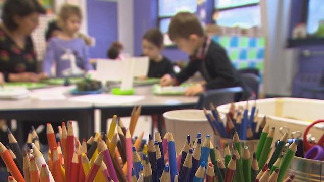 Plus de classes francophones dans les écoles anglophones du Québec https://t.co/DvLvdnm8dd