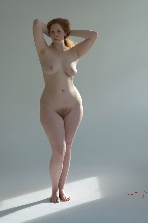 Wide hips small waist blonde big boobs very wide hips very tiny bikini