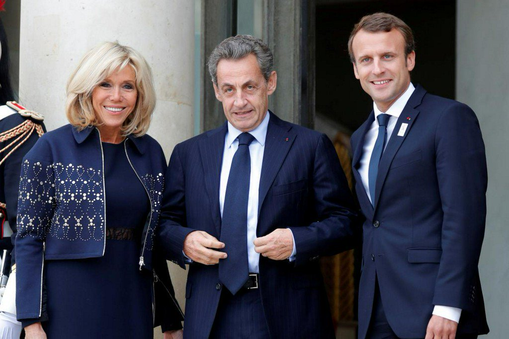 France's Macron turns to Sarkozy amid 'yellow vest' protests https://t.co/Yc5pflusm7