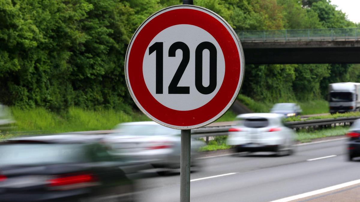 Umwelthilfe will Tempolimit von 120 auf allen deutschen Autobahnen https://t.co/WktR1Atjvp
