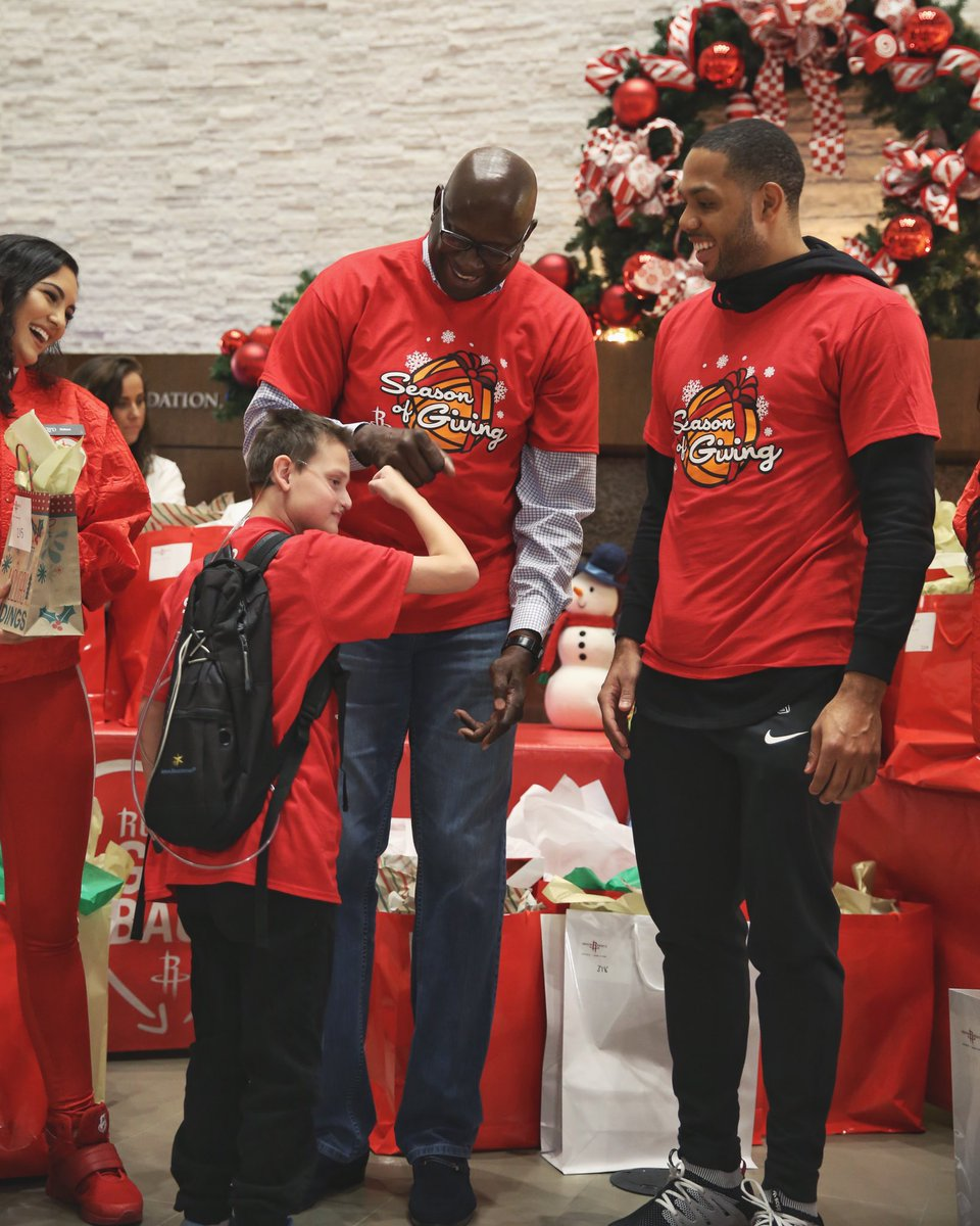 The Rockets & @SouthwestAir hosted a holiday party for the Ronald McDonald House Houston.