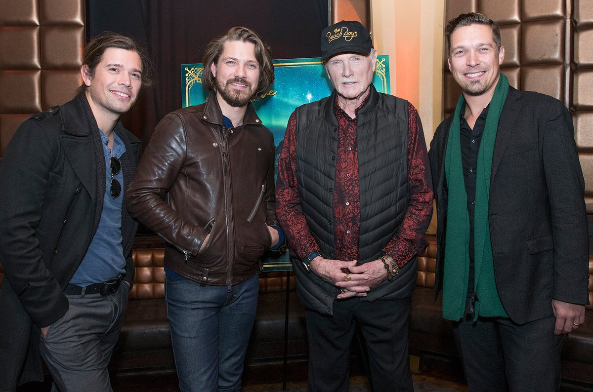 The Beach Boys&#39; Mike Love teams with Hanson for &quot;Finally It&#39;s Christmas&quot;  https:// blbrd.cm/Ovcd1R  &nbsp;  <br>http://pic.twitter.com/bLYW6uMcEi