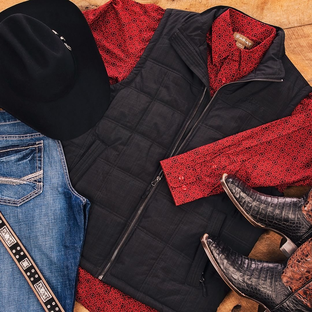 Lightweight yet warm enough to withstand the cooler temperatures. The Rafter C Canvas Puff Vest is a must have for every guys closet. Add the perfect pair of exotics and get ready to take on whatever life throws your way.