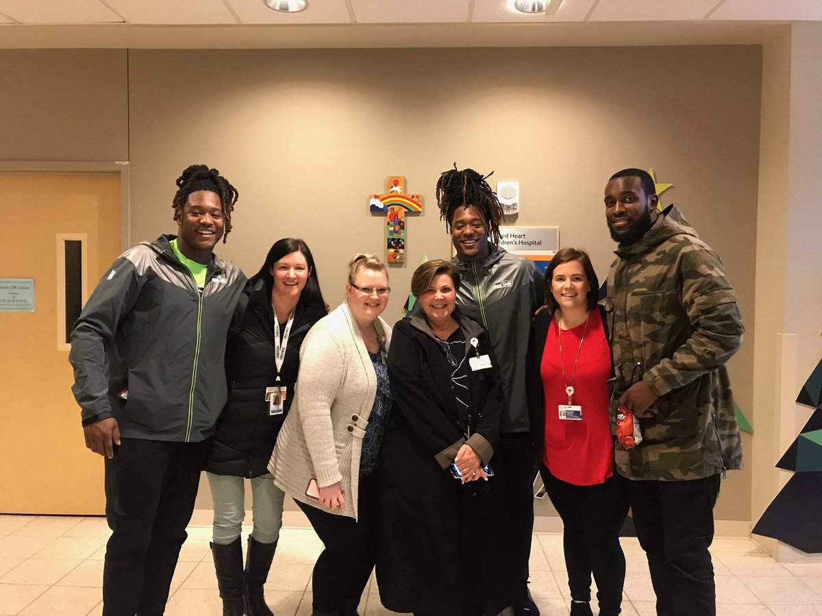 @KamChancellor @ShaquillG @Shaquemgriffin thanks for taking a pic with my wife that's works with these wonderful people. Y'all are amazing!! <br>http://pic.twitter.com/dk6ugELsC4
