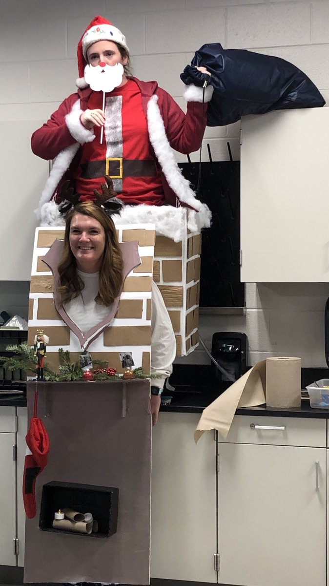 Tons of great holiday spirit in the halls of @AlbemarleHigh today, but the costume contest champions were indisputably @msjensonAHS and Lauren Thraves! Get excited for the cookie bake-off in @Chef_Poindexter room at lunch on Wednesday!