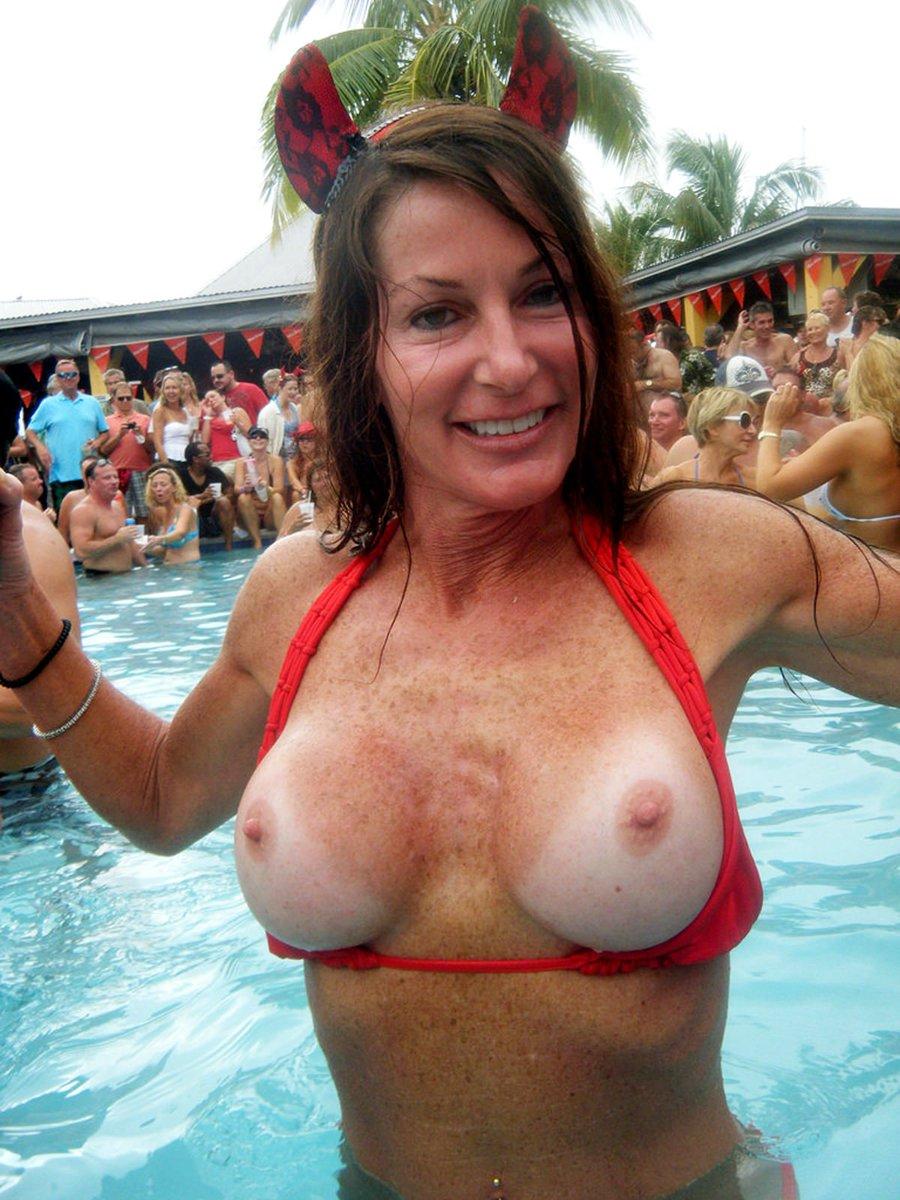 Anne Lawfull Tits