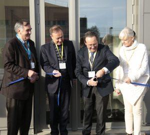 Hier aux @clayessousbois, nous avons inauguré avec le Conseil départemental @Les_Yvelines un n...