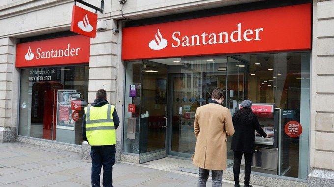 Santander fined £32.8m for 'serious failings' over deceased customer accounts https://t.co/RFKEG5Jo72