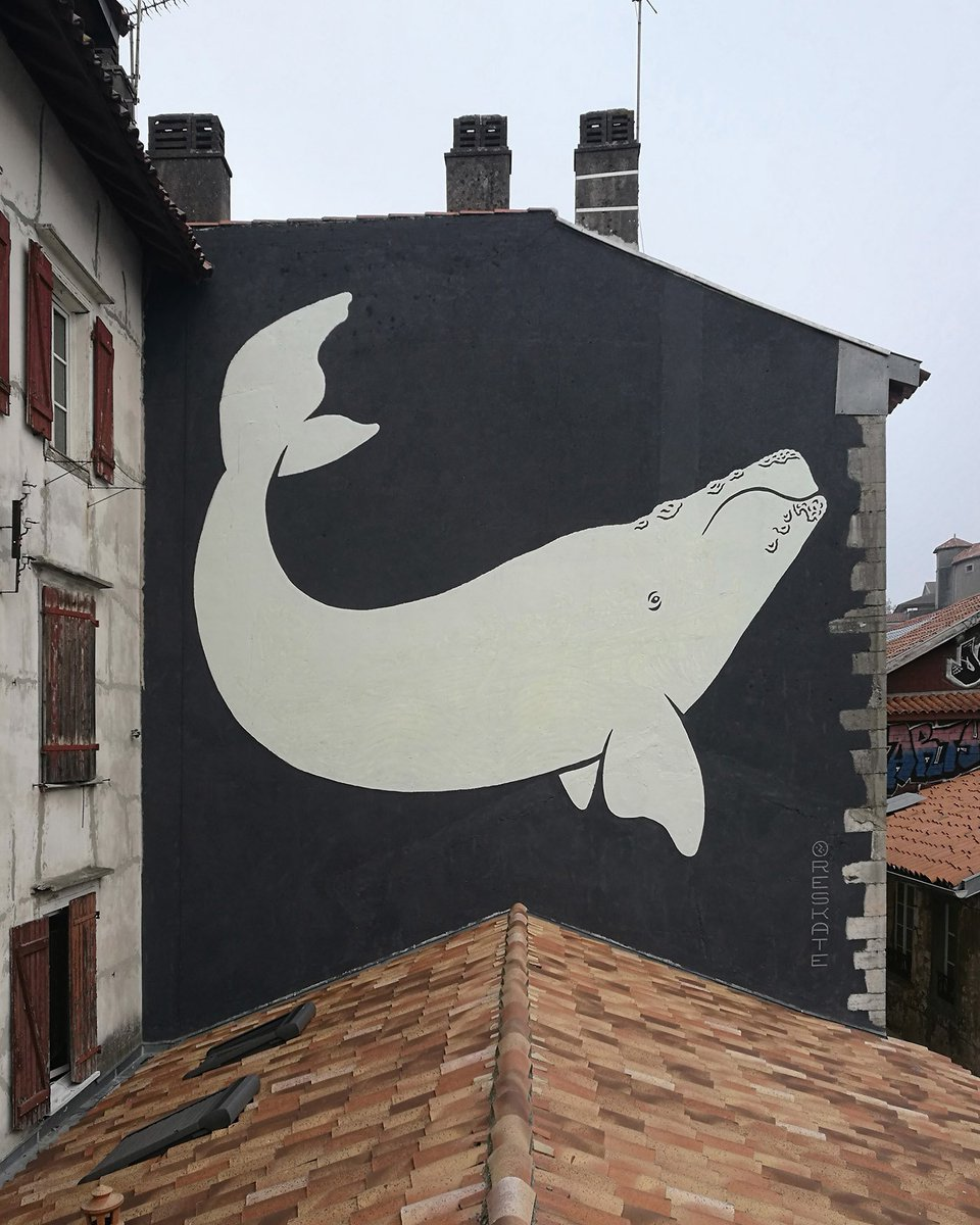 A seemingly simple whale mural reveals a belly full of sailors at night https://t.co/jh4lBC2dZi https://t.co/0E9dHwih5Q