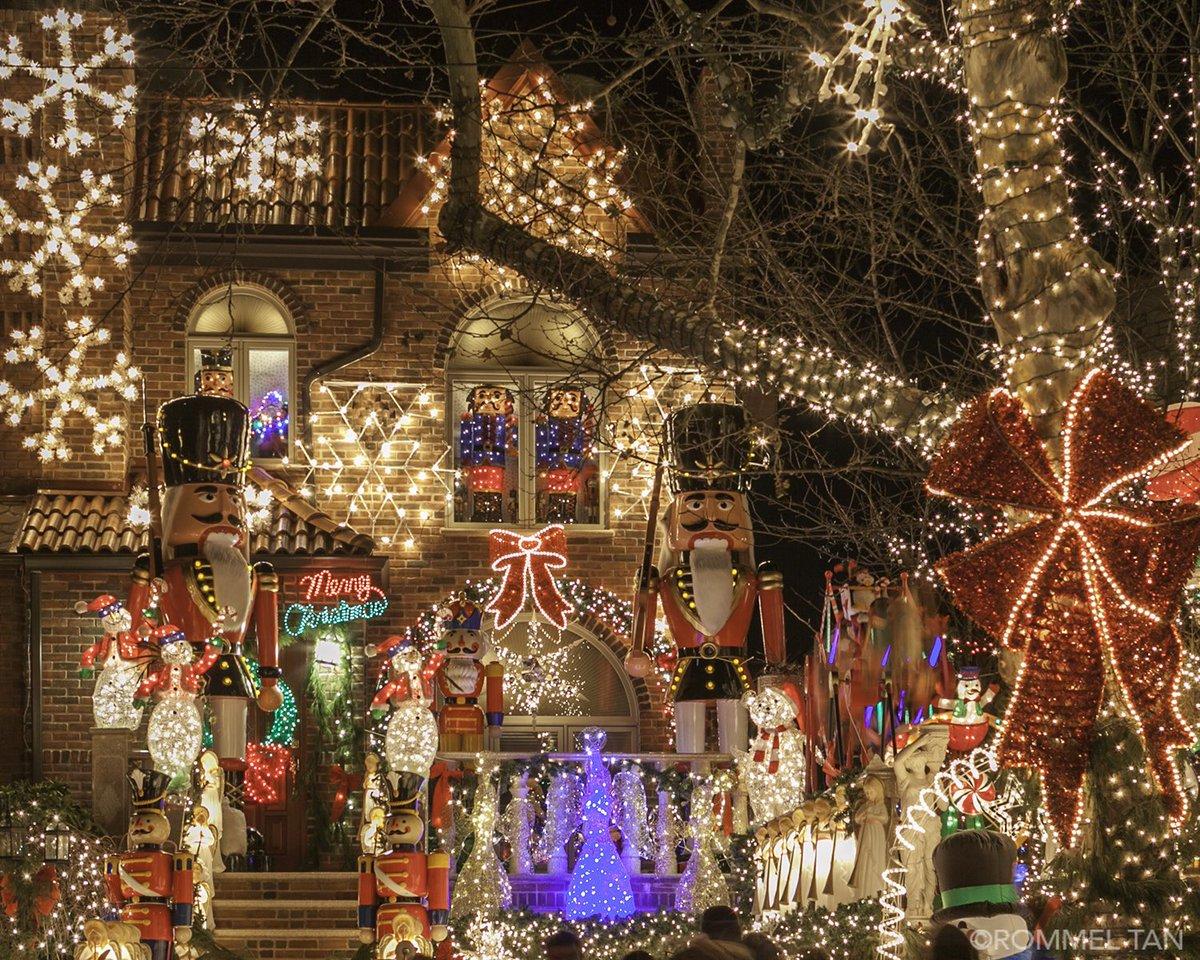 Dyker Heights Christmas Lights.Dykerheightschristmaslights Hashtag On Twitter