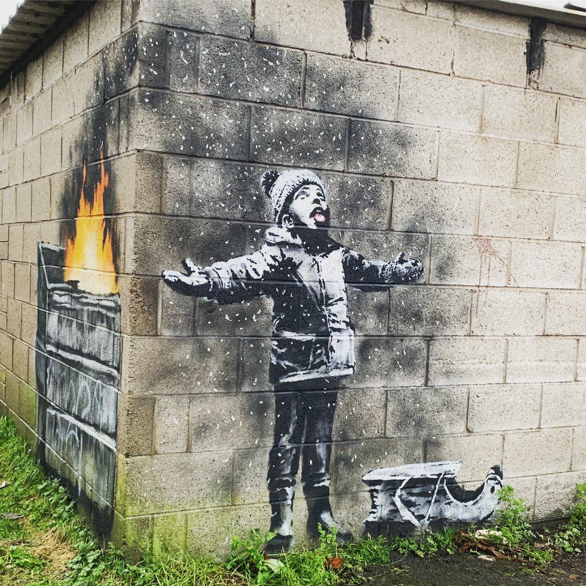 слух, артистичность, бэнкси граффити картинки получали подарок угощение