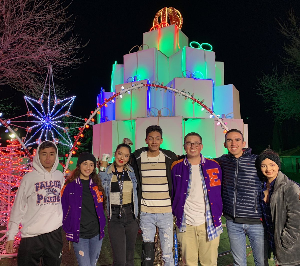 Fred Loya Light Show 2020.Eastlake Stuco On Twitter Stuco Officers At The Fred Loya