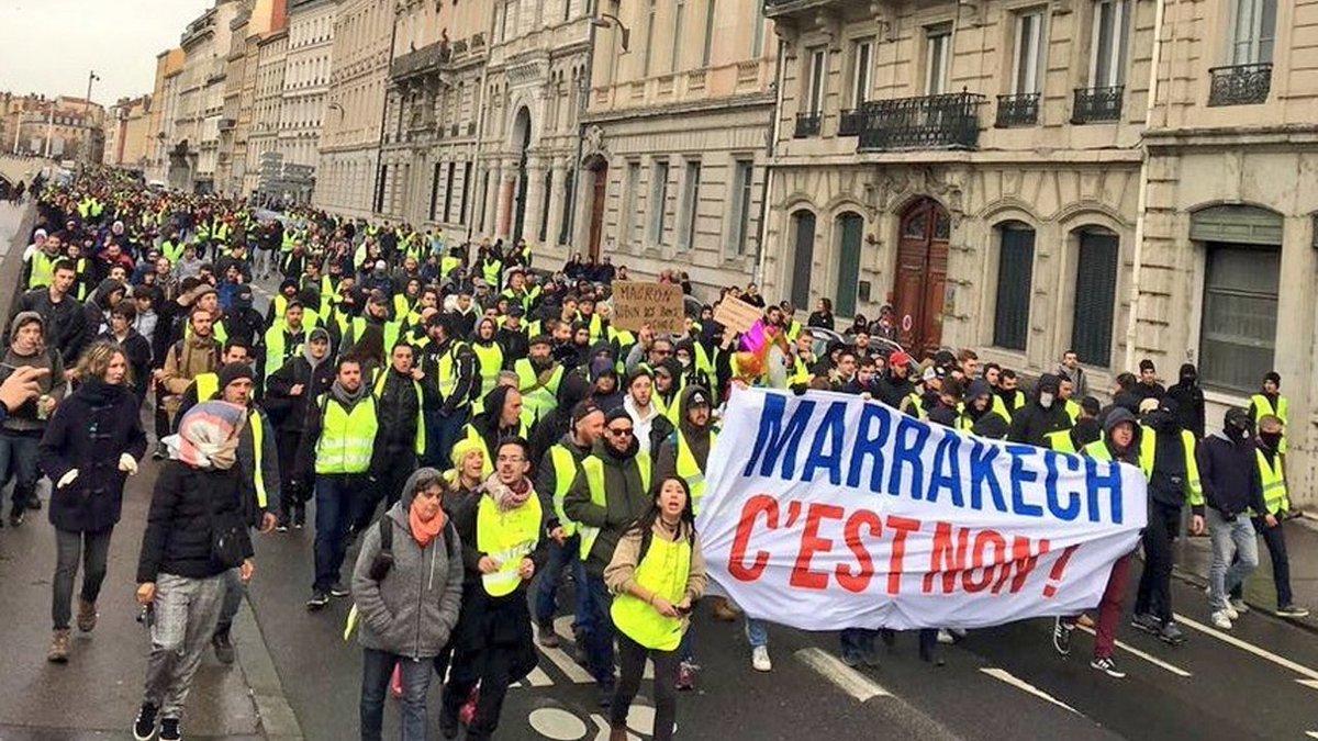 LES LUTTES EN FRANCE vers la restructuration politique (Gilets jaunes) : les débats continués 17 déc.- mars 2019 DuzIHoiXcAA1Zfx