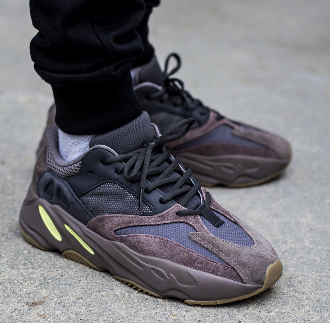 06831684adccf  40 OFF + FREE shipping on the adidas YEEZY Boost 700