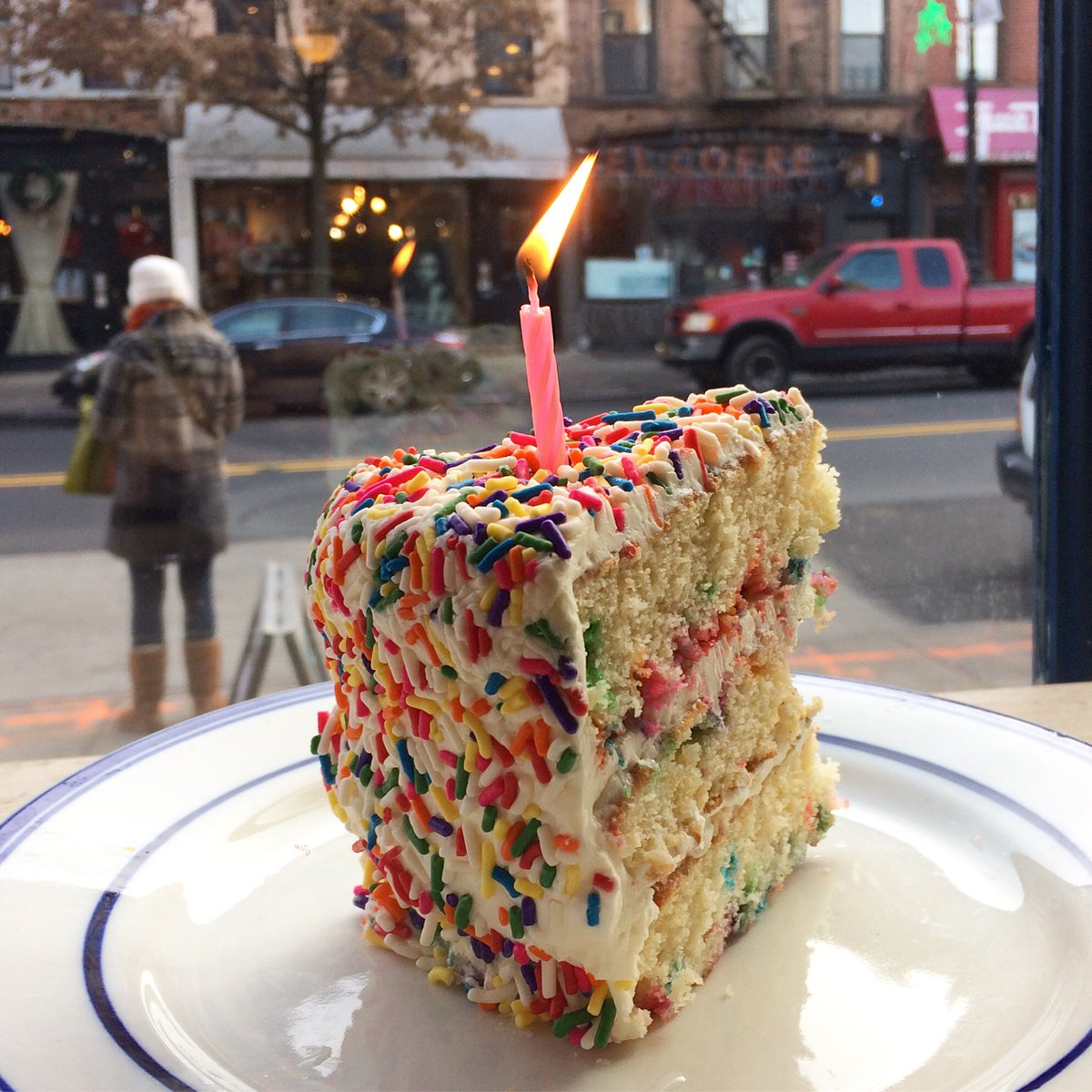 Myrtle Ave Brooklyn On Twitter Light Up Someones Birthday
