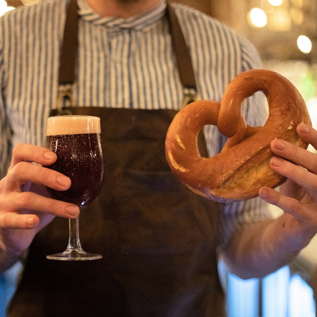 G I V E  U S  T H I S  D A Y Wake up to a freshly baked pretzel from our in-house bakery, washed down with a side of delirium red #breakfastisserved #goodmorning #manchester #mcreats #albertsschloss