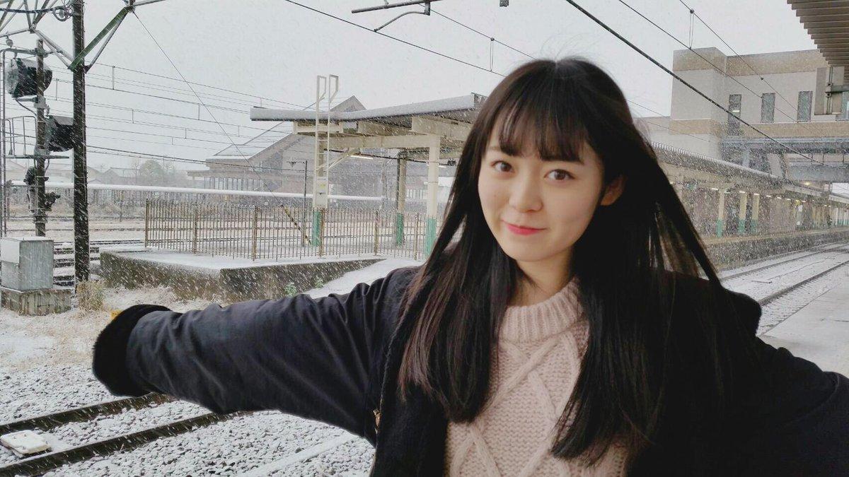 「この可愛い子誰なんさ!?」新潟に降り立った美少女に農家騒然wwwwww