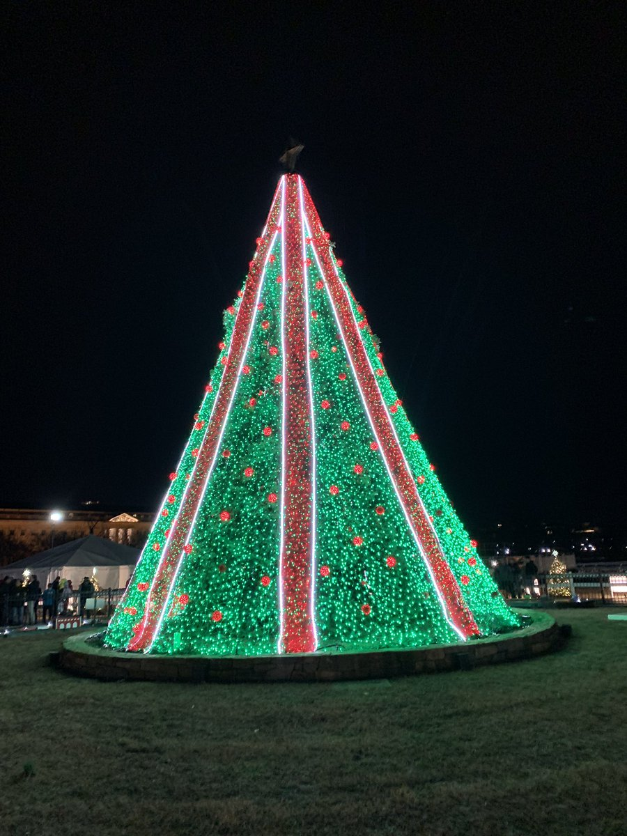 National Christmas Tree 2019.Natalie Brand On Twitter I Believe It S The Final Night Of