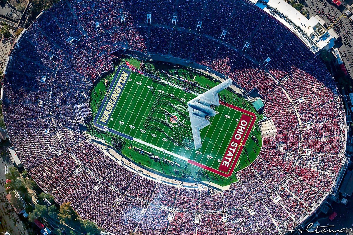 Probably the best photo you'll see of our National Anthem performance at the @rosebowlgame 🇺🇸  📷: @westcoastaerial