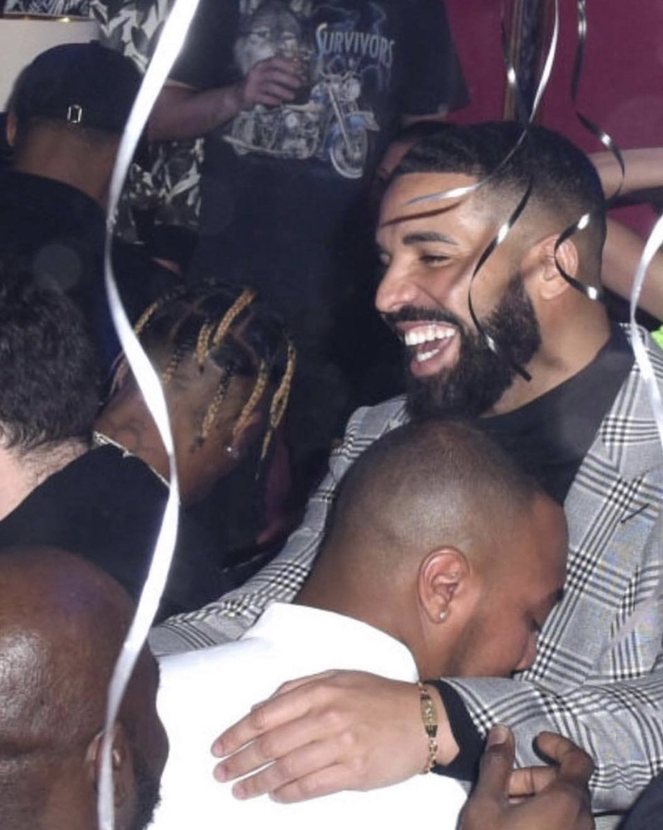 Earlier this week Kanye reignited his beef with Drake, 'This man followed my wife on Instagram I feel a public apology in order.'  Hours later, Kendall, Kylie, and Travis Scott were at Drake's NYE party: https://t.co/4YhokjKz6w