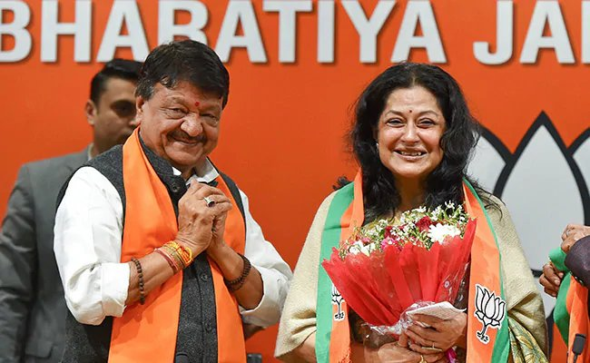 Veteran Hindi film actress Moushumi Chatterjee joins BJP