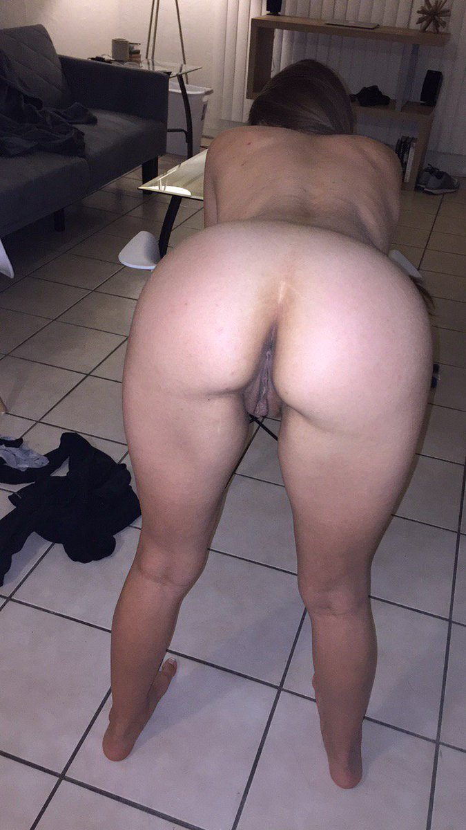 tight-wives-bent-over-nude