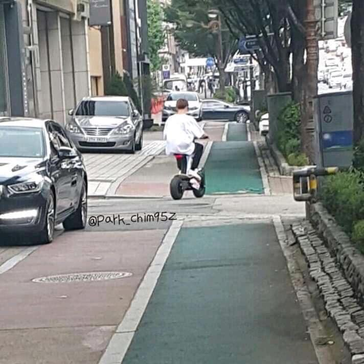 เจ้าตุ้ยนุ้ยชิวมาก555💜🐰 ขออนุญาตเจ้าของภาพคะ #jungkook #JUNGKOOK #จองกุก