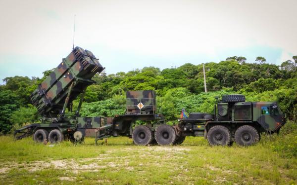 السويد تختار منظومة باتريوت الاميركية المضادة للصواريخ DvAkqx_W0AYzyJZ