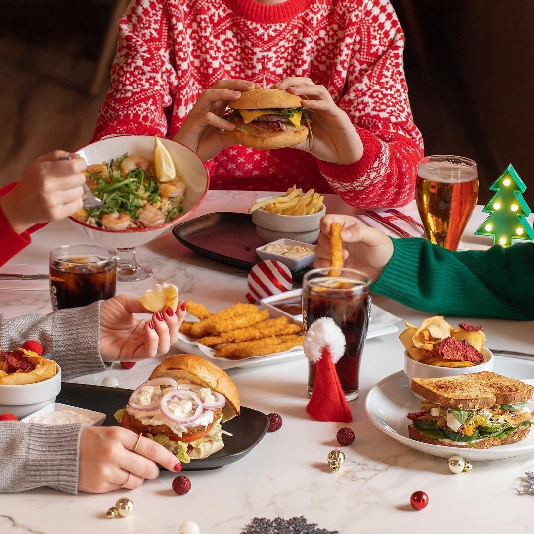 Celebra la #navidad en nuestros restaurantes y sus menús especiales para grupos 🍽 ➡️ https://t.co/8m4vrARNM5 @VIPS @GinosRistorante @tommymels https://t.co/h4I1n4J2on