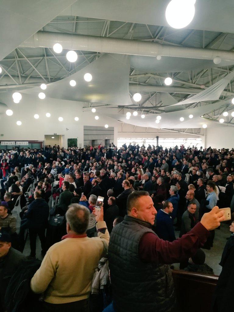 Bu insanlar ne bekliyor biliyor musunuz sizlerden gelecek iyi haberleri ..Burası buzdağının görünen kısmı devamı 31 Mart ta inşallah. #EytTürkiyedir #istanbuleytdiyecek #EmeklilikteYaşaTakılanlar @Akparti @herkesicinCHP @MHP_Bilgi @iyipartitbmm @bbpgenelmerkez @SaadetPartisi