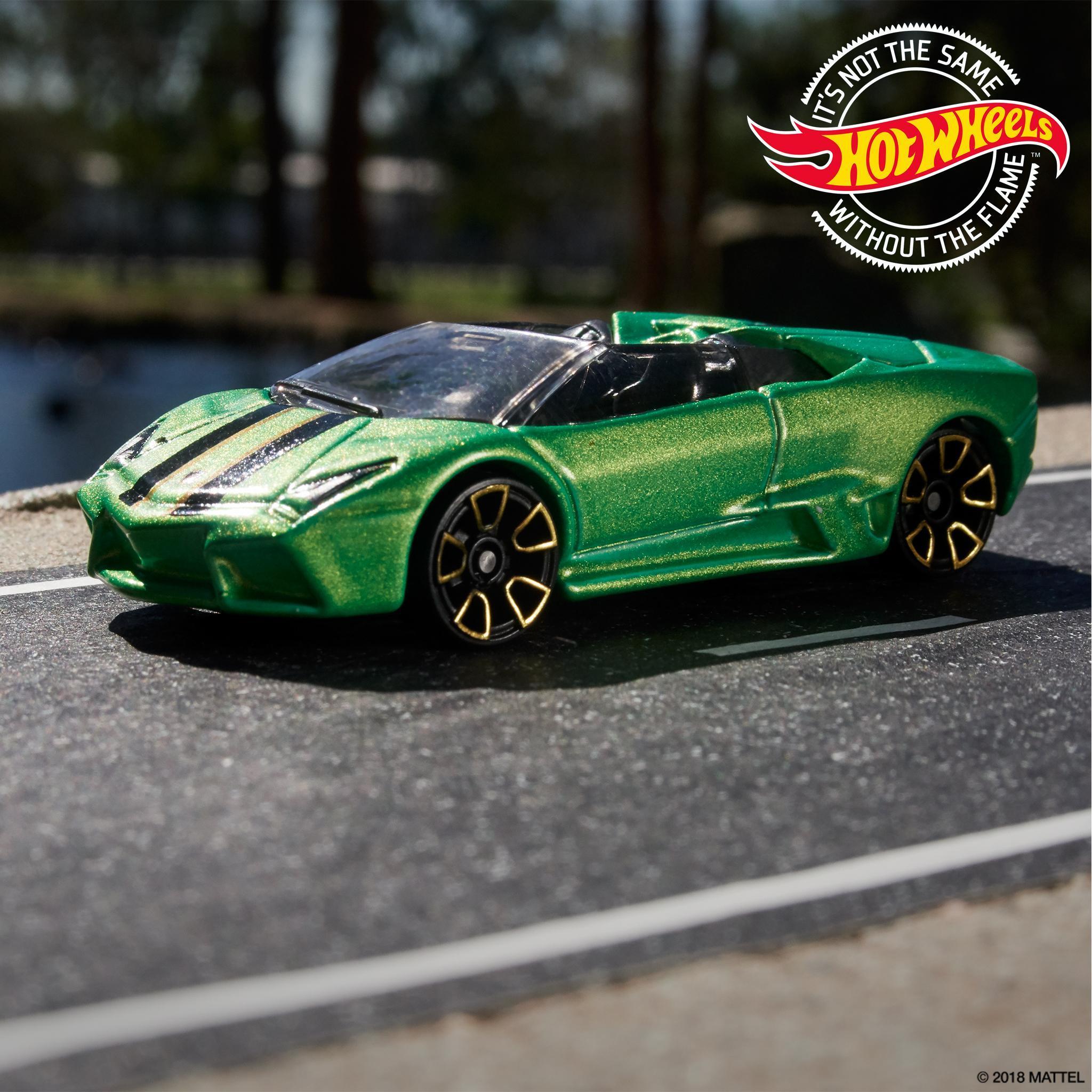 Hot Wheels Twitter Tweet Top Down With This Green Lamborghini
