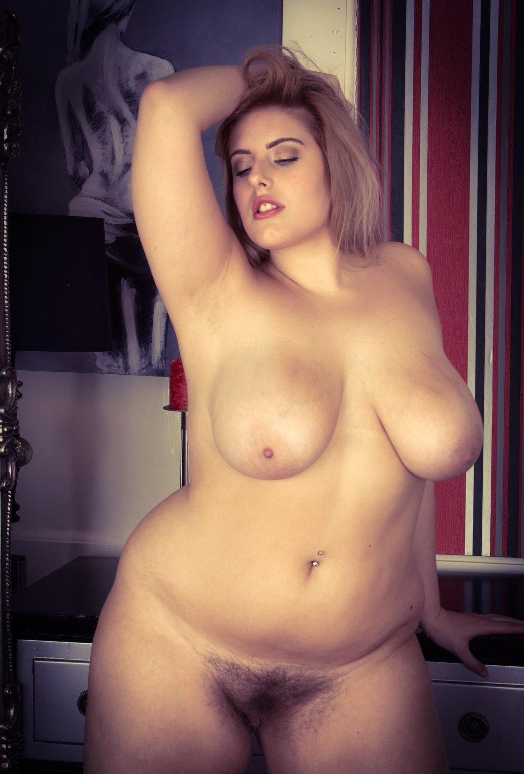 Тетки полные голые бритые стройные девушки