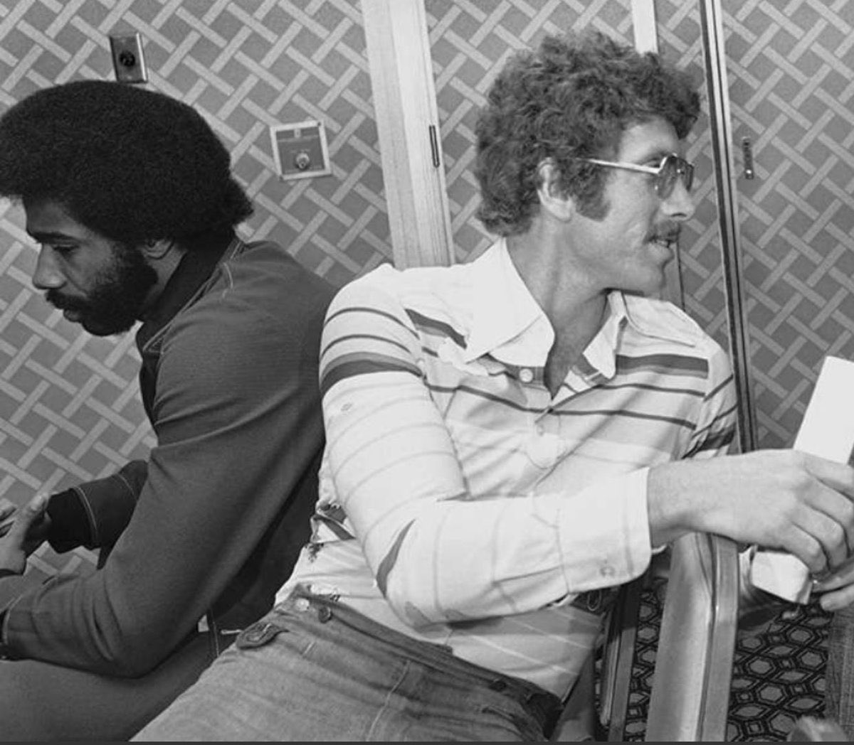 @MLB This picture from @Super70sSports definitively answers that question. @Phillies #Phillies @BoogSciambi