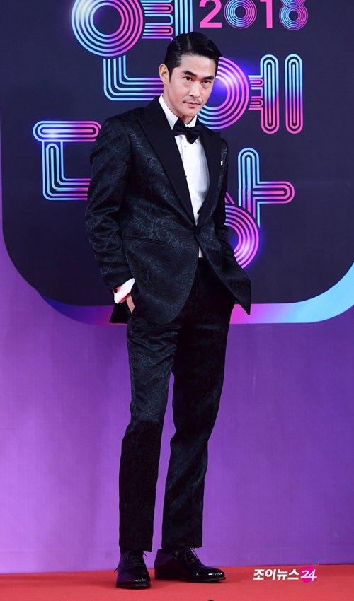 【2018 KBS芸能大賞】ペ・ジョンナム、ホットガイ登場! https://bit.ly/2GDEWhn  #KBS芸能大賞 #ペ・ジョンナム #배정남
