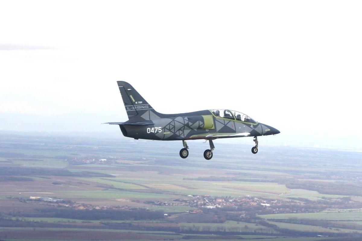 شركة Aero Vodochody تكشف عن أحدث طراز طائرة تدريب جديدة من نوع L-39NG DvF6JUQXQAA1VP0