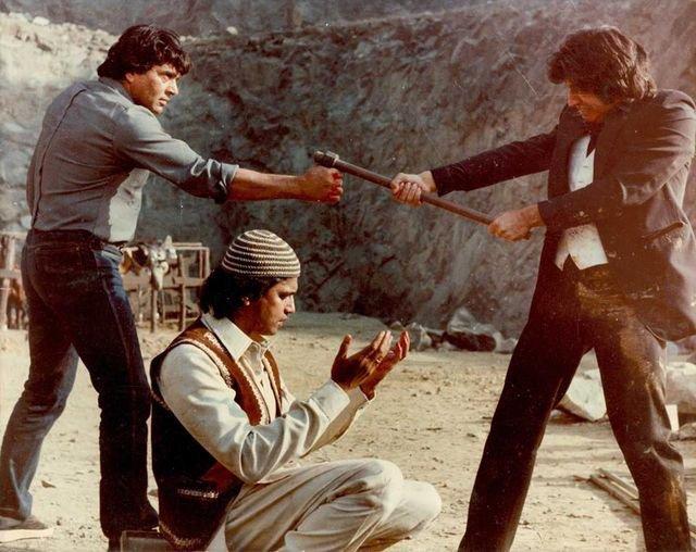 bollywood-ke-kisse-when-mithun-chakraborthy-slapped-shakti-kapoor