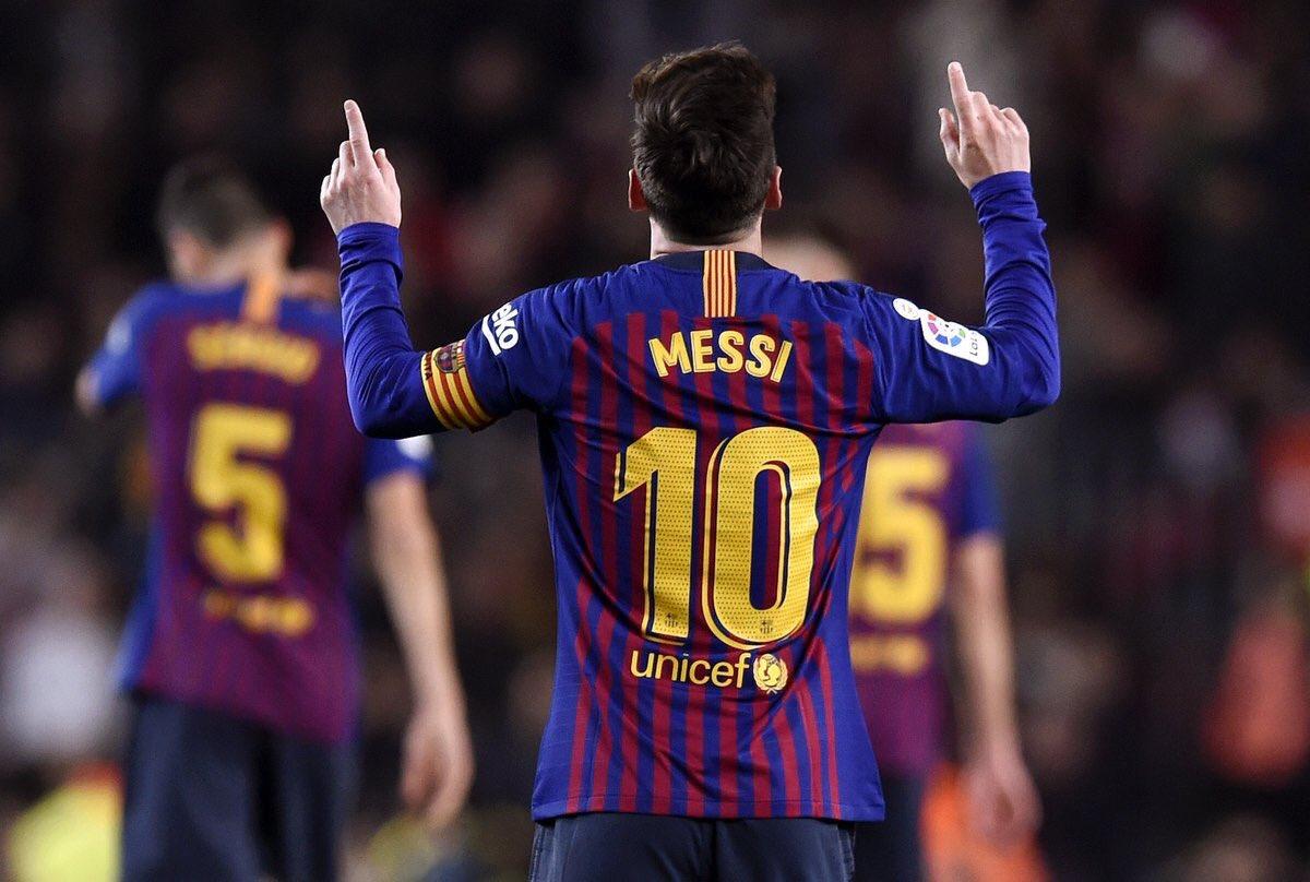 The Lionel Messi Appreciation Thread & Fan Club III - Page 31 DvFS4XyUcAArqtE