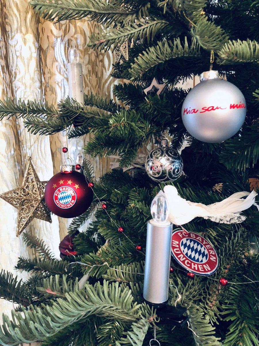 Fc Bayern Wünscht Frohe Weihnachten.Fc Bayern München On Twitter Wir Wünschen Ebenso Frohe Weihnachten