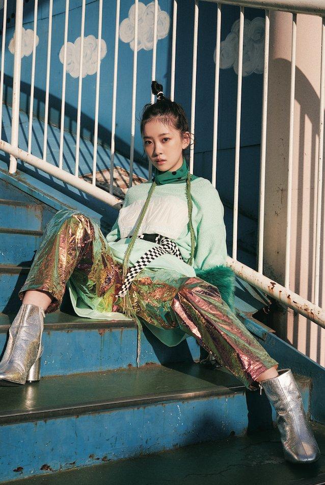 12月25日発売のOVERTUREの堀未央奈と佐々木琴子が美人過ぎると話題、さすが顔だけ総選挙で白石麻衣に次ぐ3位、2位