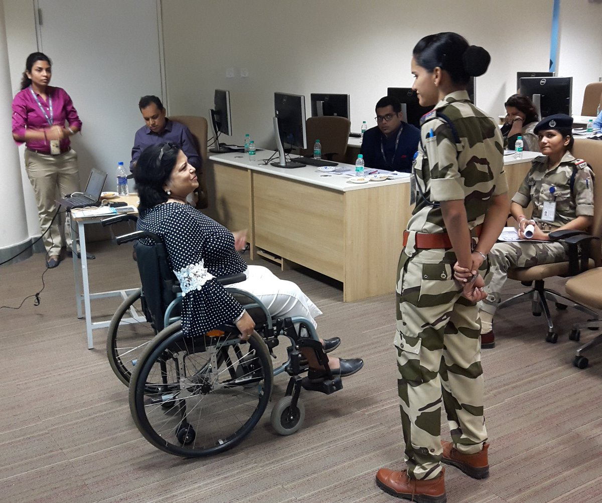 Trained CISF staff @CSIAMumbai on #disability #inclusive services #maketherightreal, facilitate #dignified & safe #travel @MinistryofHomeAffair